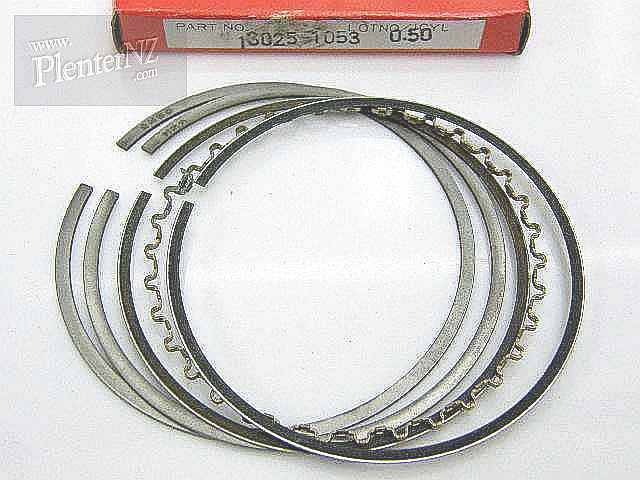 13025-1053 - PISTON RING SET,L,O/S
