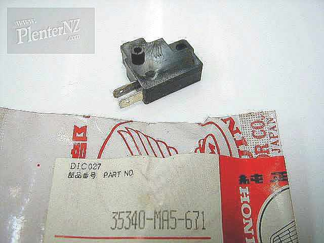 35340-MA5-671 - SWITCH ASSY. FR. STOP