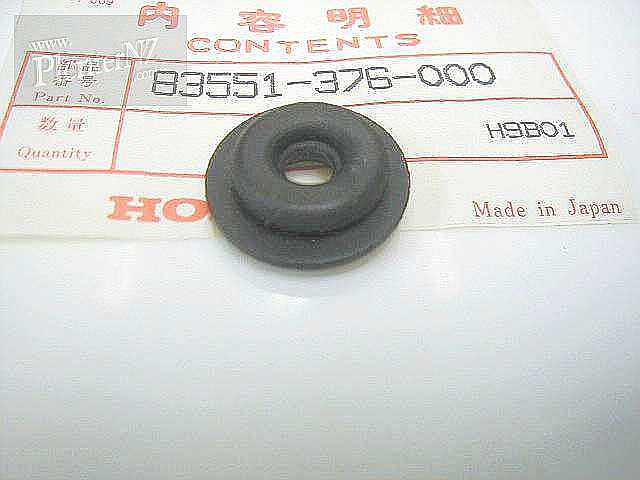 83551-376-000 - GROMMET,SIDE COVER
